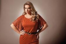 Красивые платья для полных леди: фасоны и детали