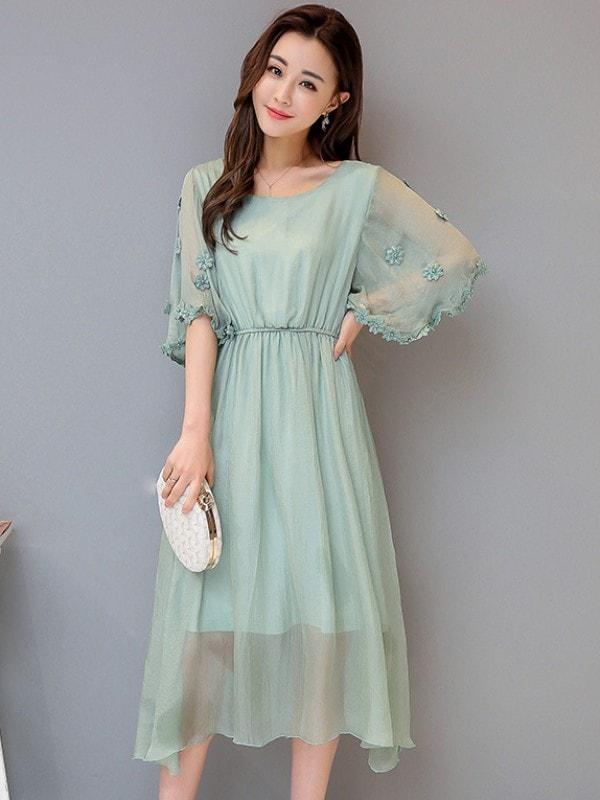 Платье из шифона с интересным рукавом