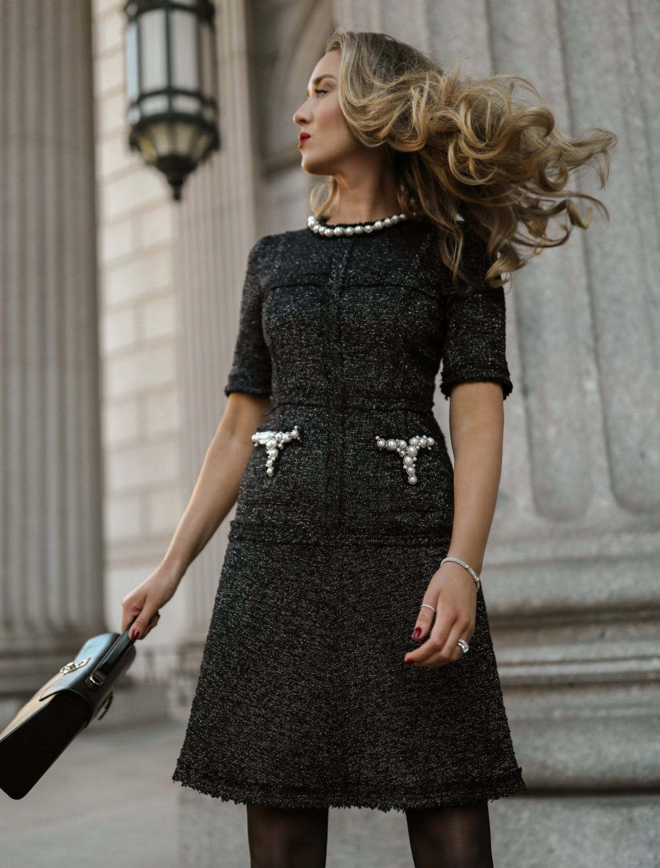 Платье Коко Шанель с декором