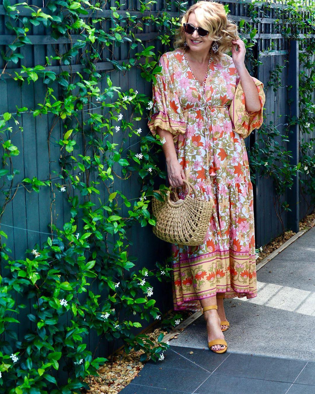 платье для женщины 50 лет в цветок