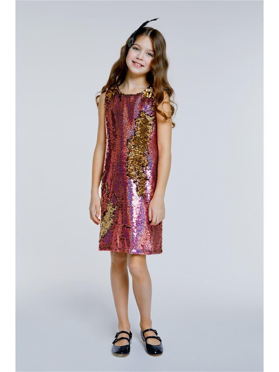 девочка в красном платье с пайетками