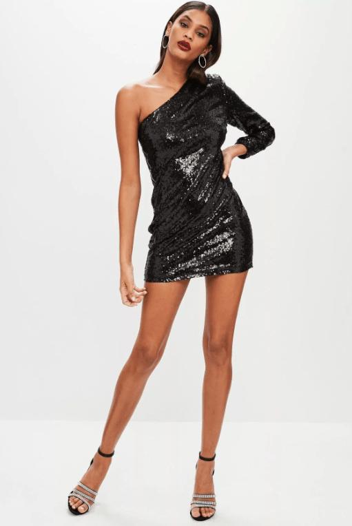 платье с пайетками с одним рукавом
