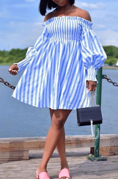 Платье в полоску с крупными воланами