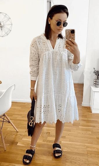 Белое кружевное платье А-силуэта