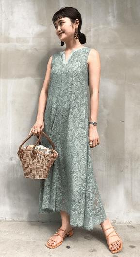 кружевное платье с сумкой