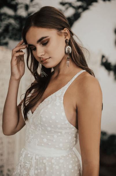 длинные серьги с платьем