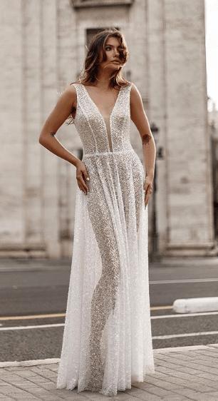 белое прозрачное кружевное платье