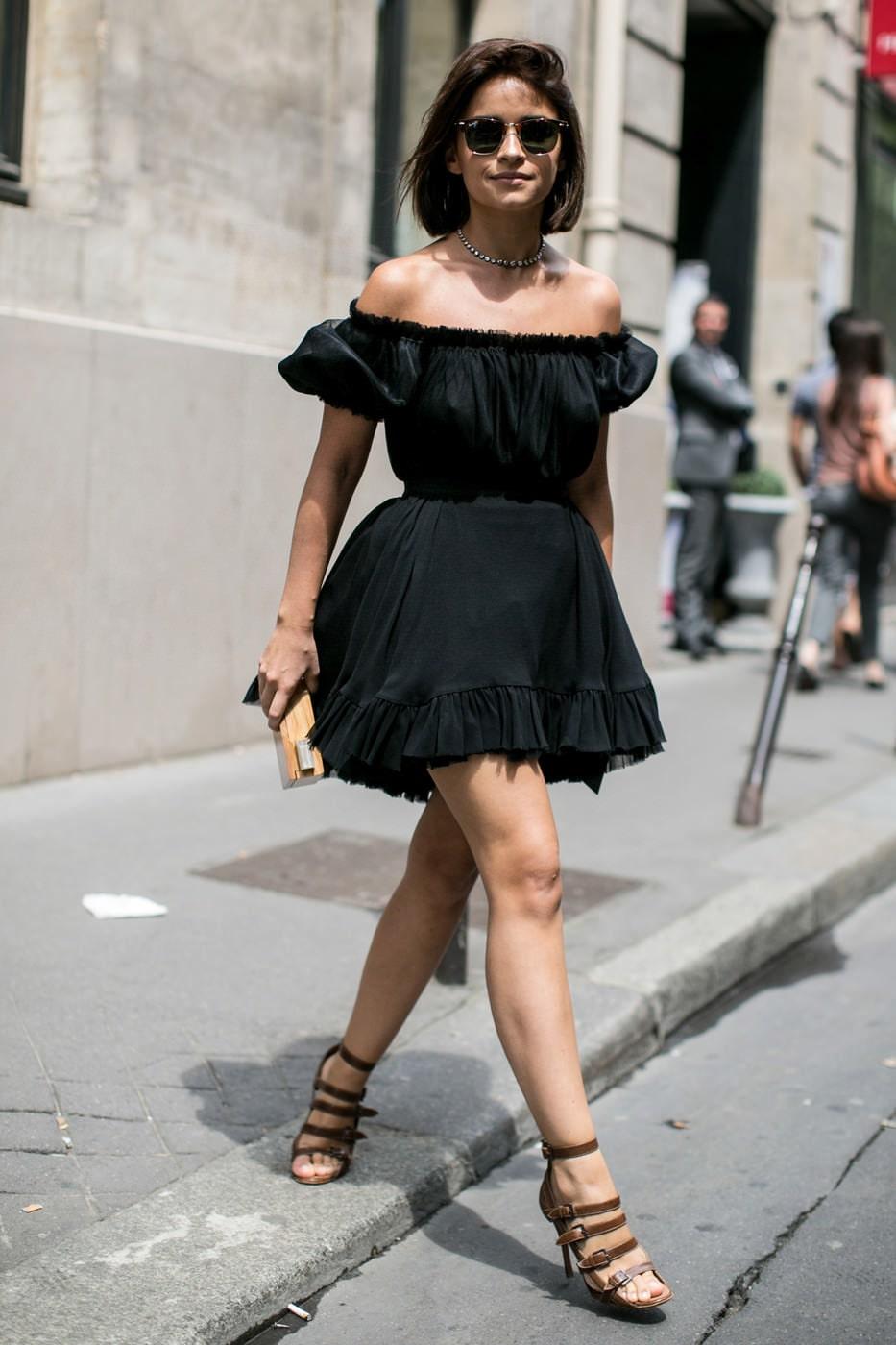 Платье черное с волананами