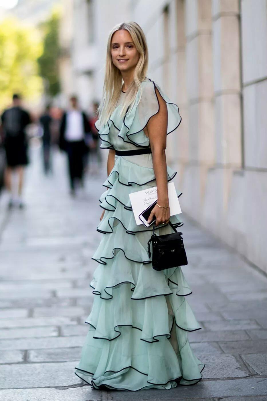 Платье вечернее с волананами