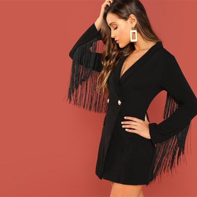 Черное платье пиджак с бахромой