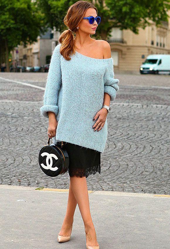 свитер на одно плечо и платье