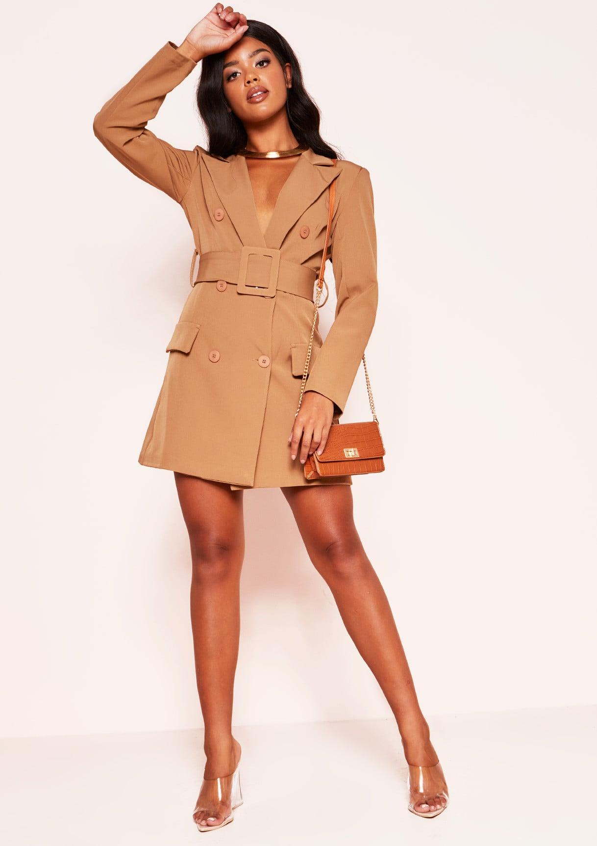 Бежевое платье пиджак