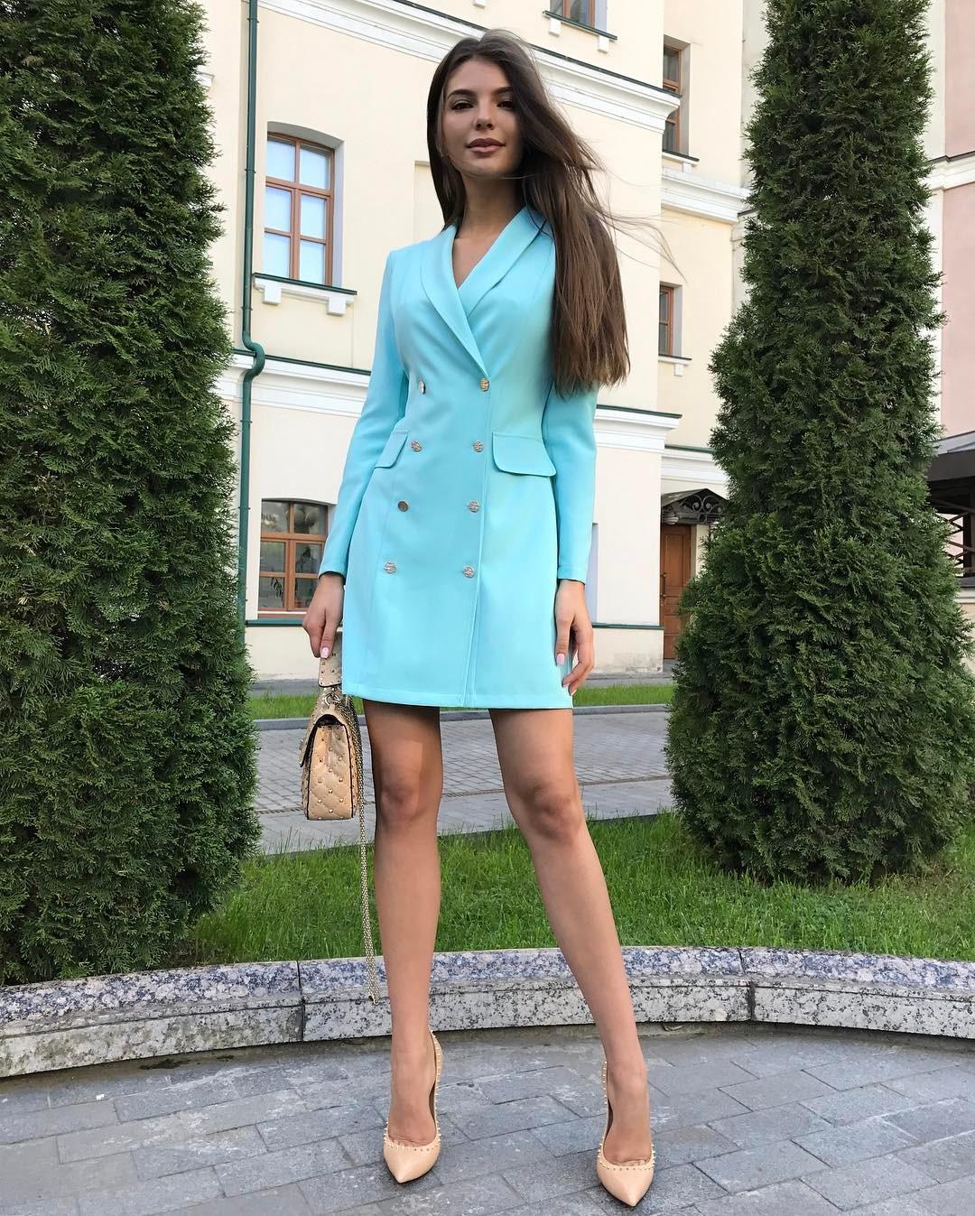 голубое платье пиджак