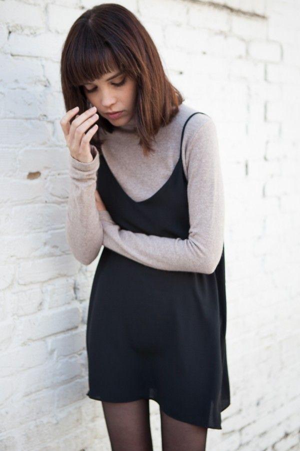 платье сверху свитера