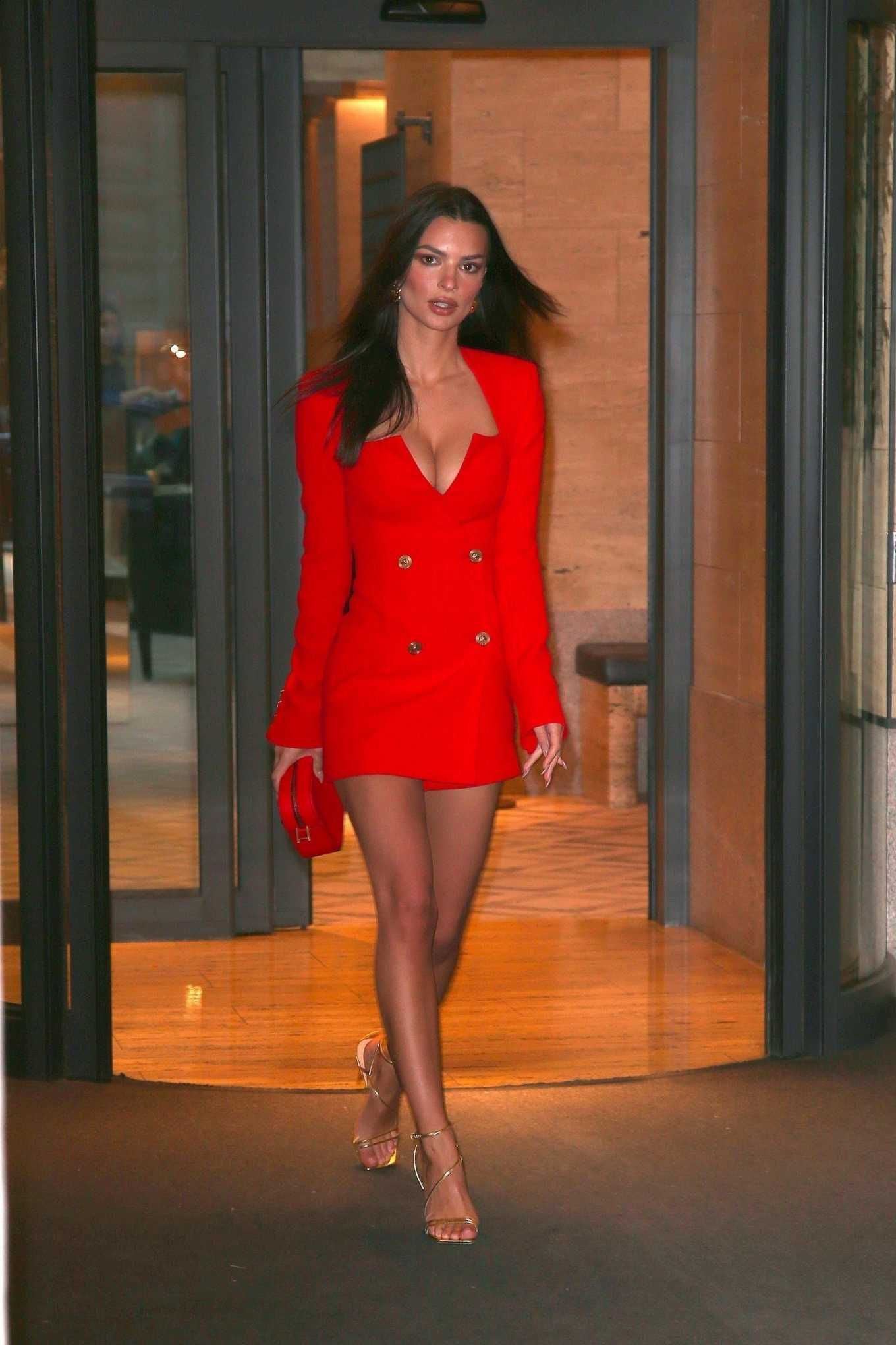 Красное платье пиджак