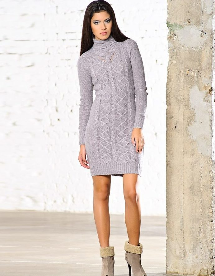 вязаное платье с ботами
