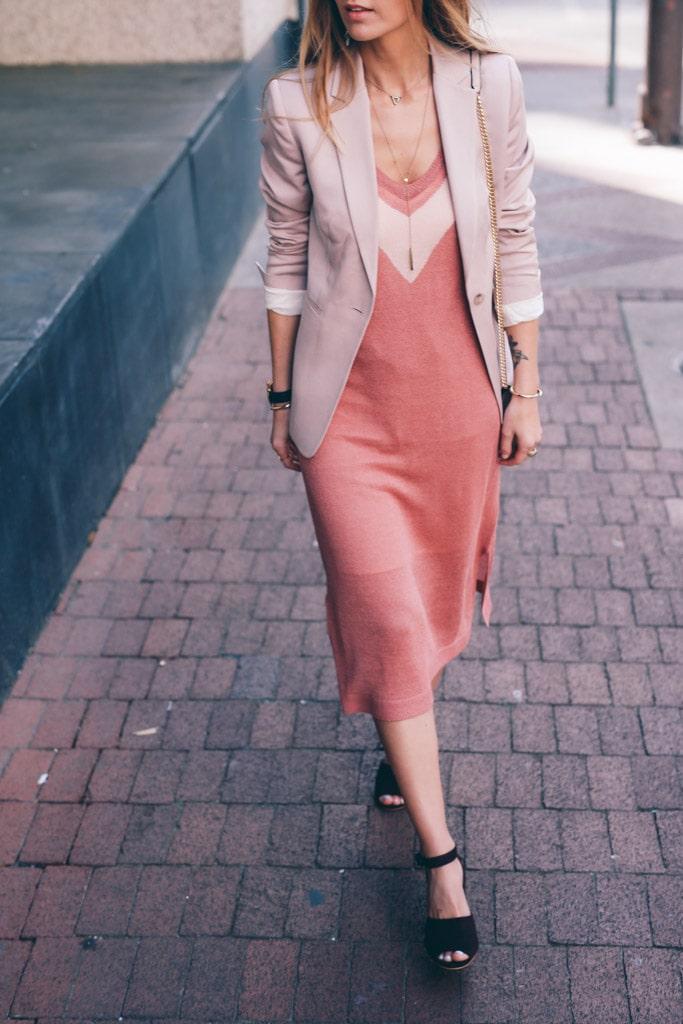 пиджак и платье в бельевом стиле