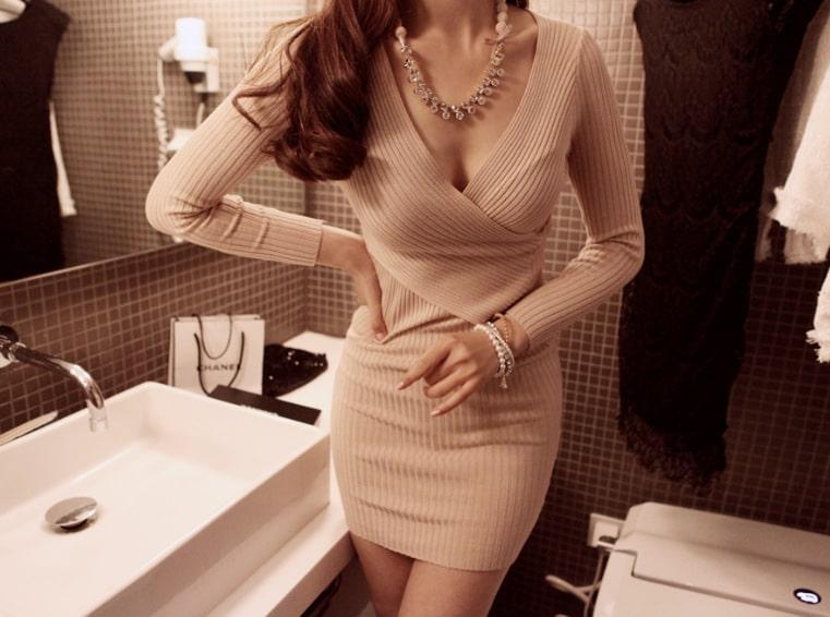 платье с запахом на лифе