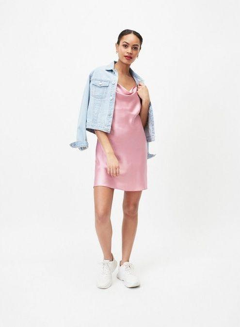 платье в бельевом стиле с джинсой