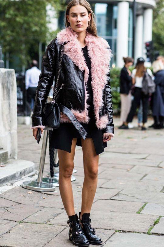 теплая куртка, платье с ботинками