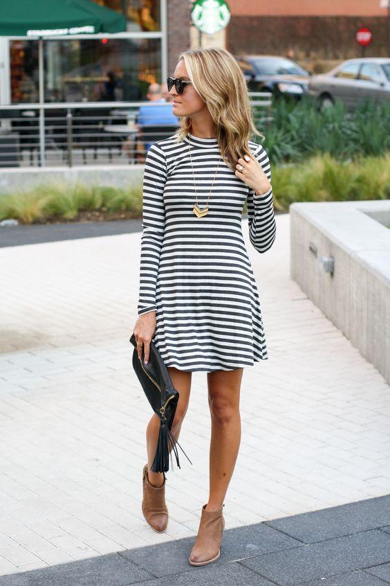 полосатое платье с ботинками