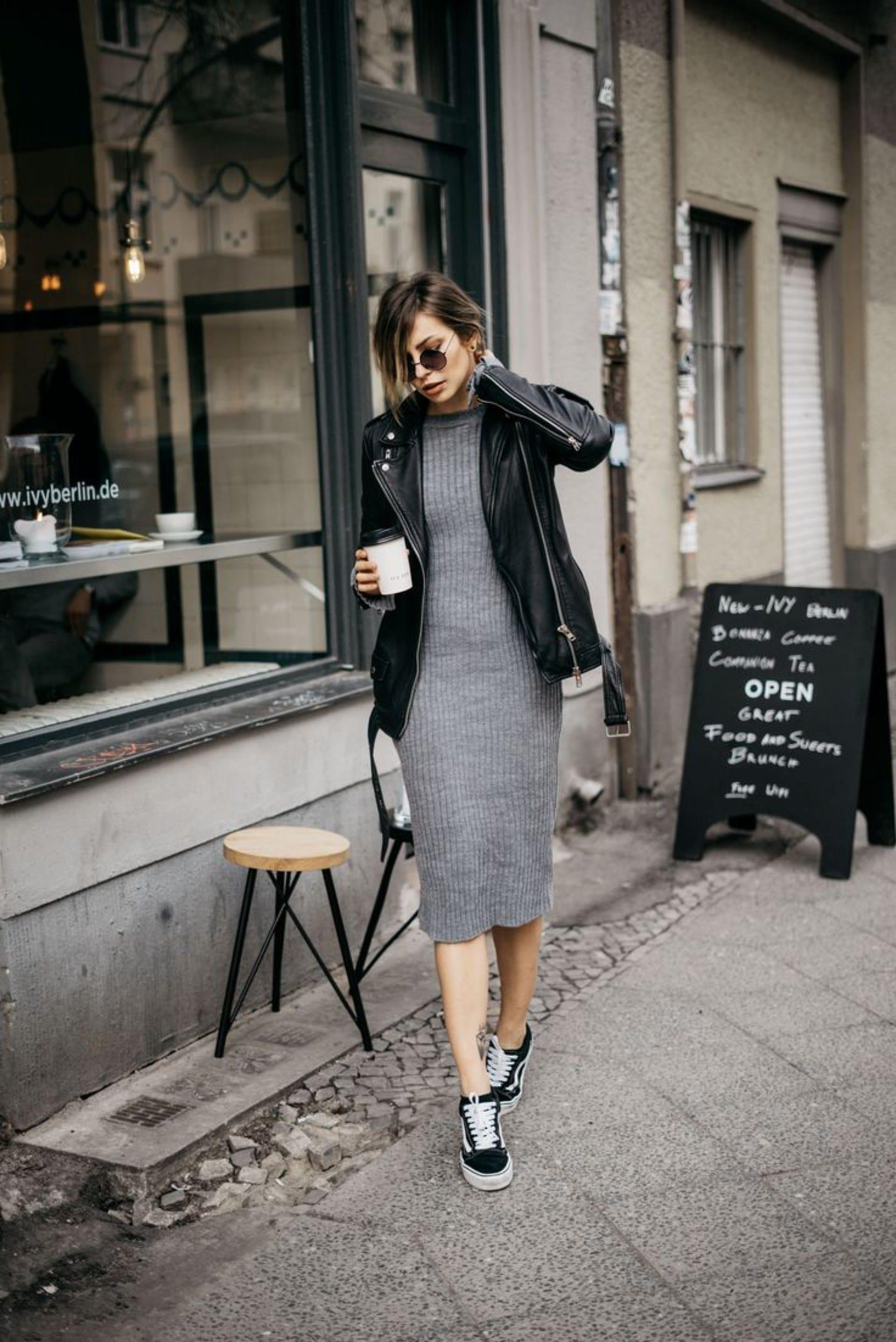 платье французской длины с косухой