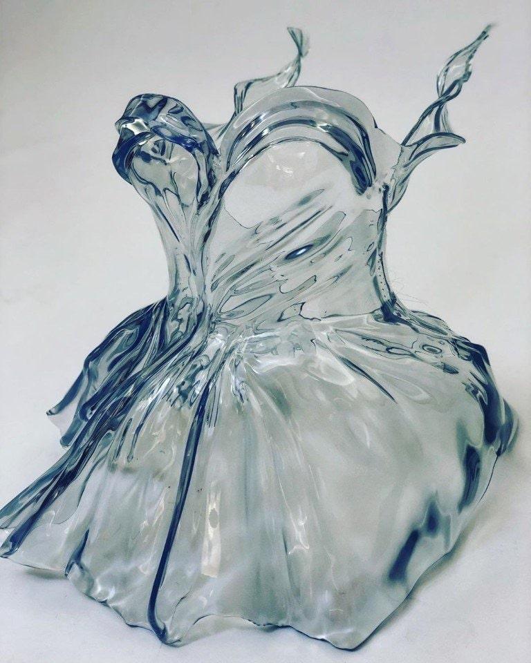 платье из стекла