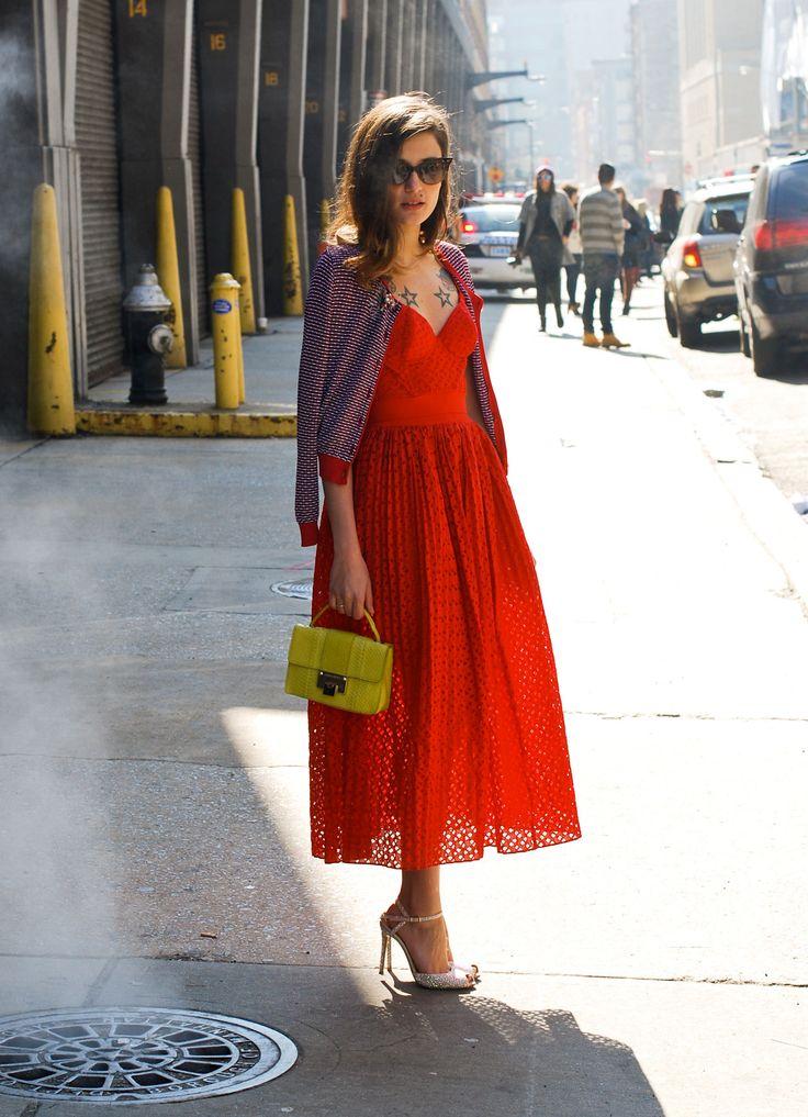 платье французской длины с кардиганом