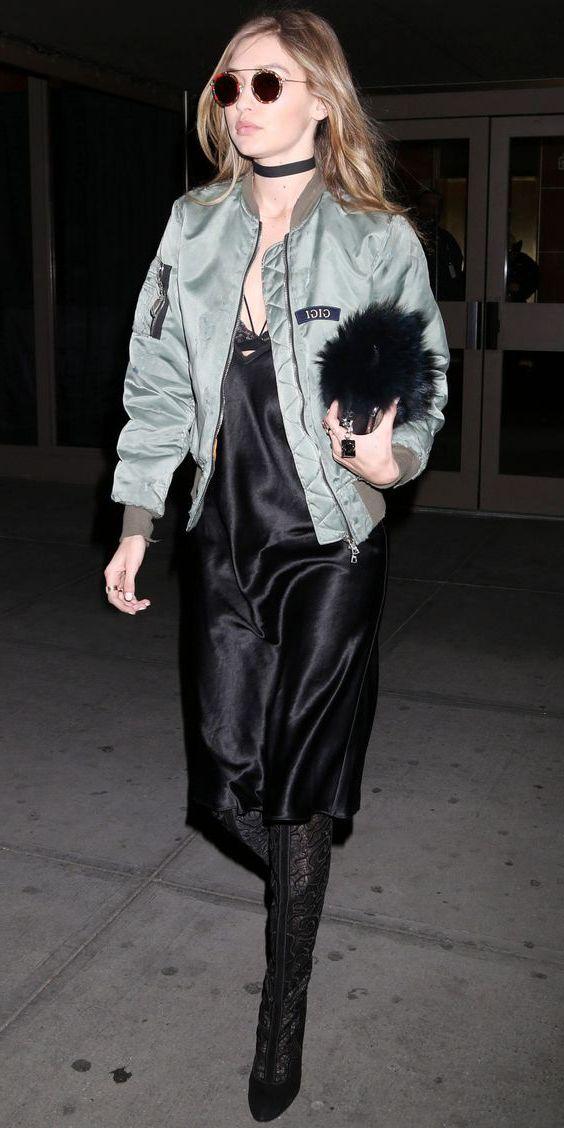 платье в бельевом стиле с длинной курткой