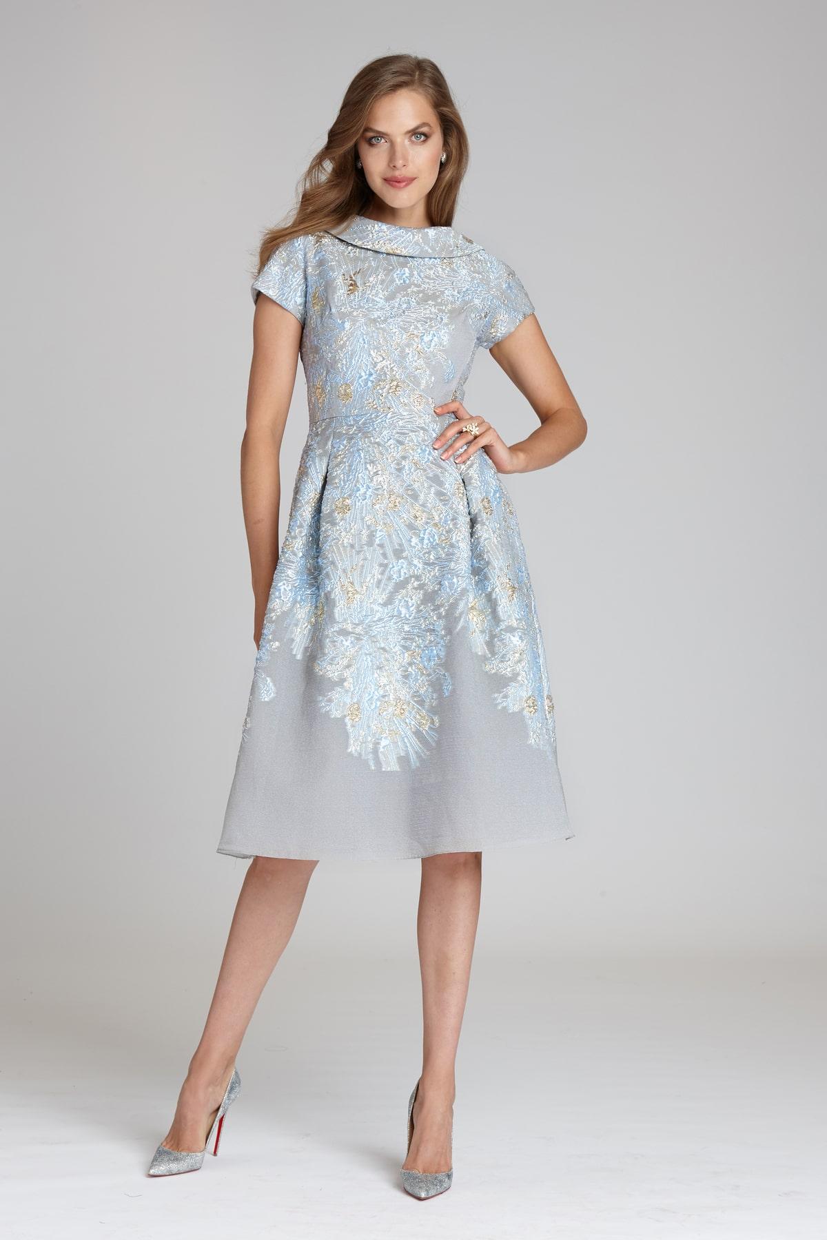 красивое платье из жаккарда