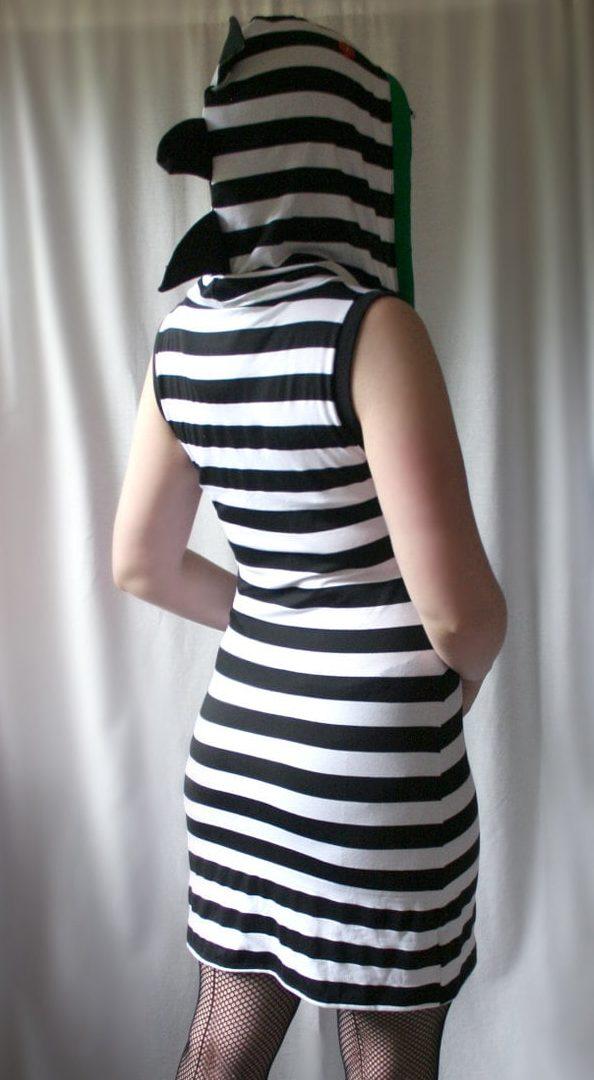 платье футболка с капюшоном