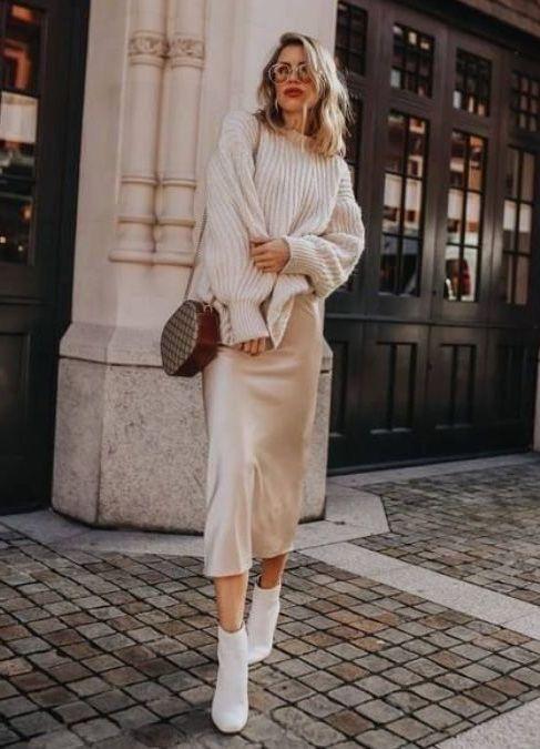 платье в бельевом стиле с джемпером