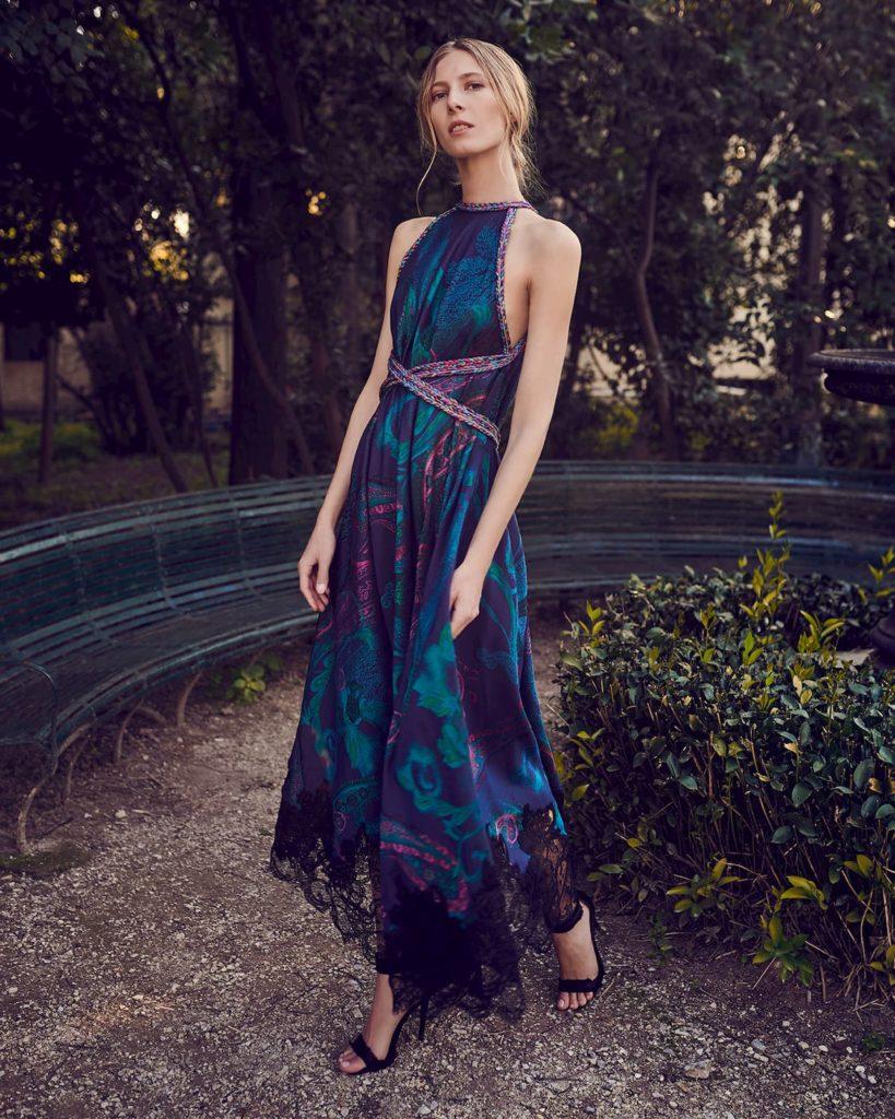 синее платье из жаккарда