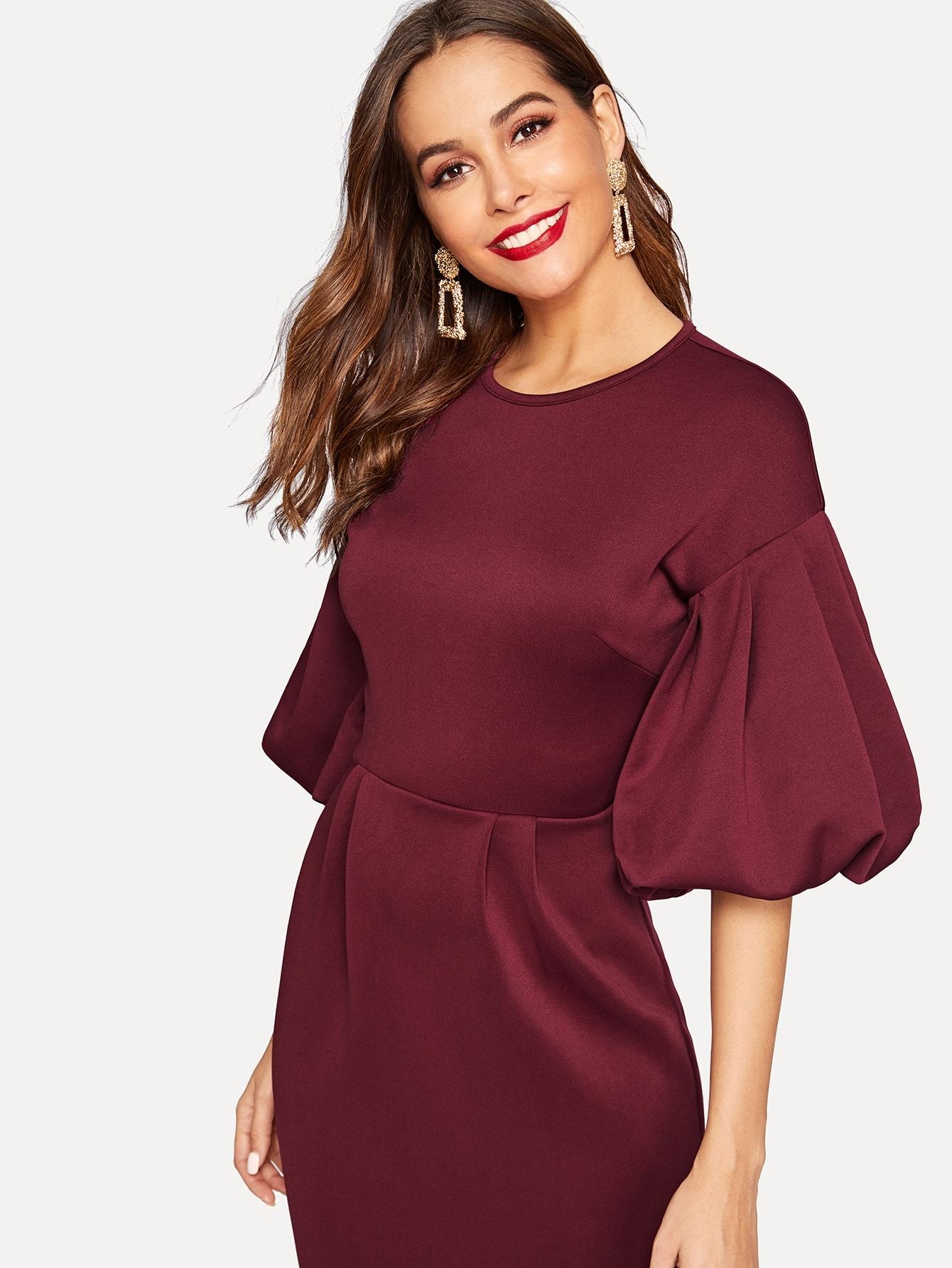 бордовое платье с рукавом фонариком