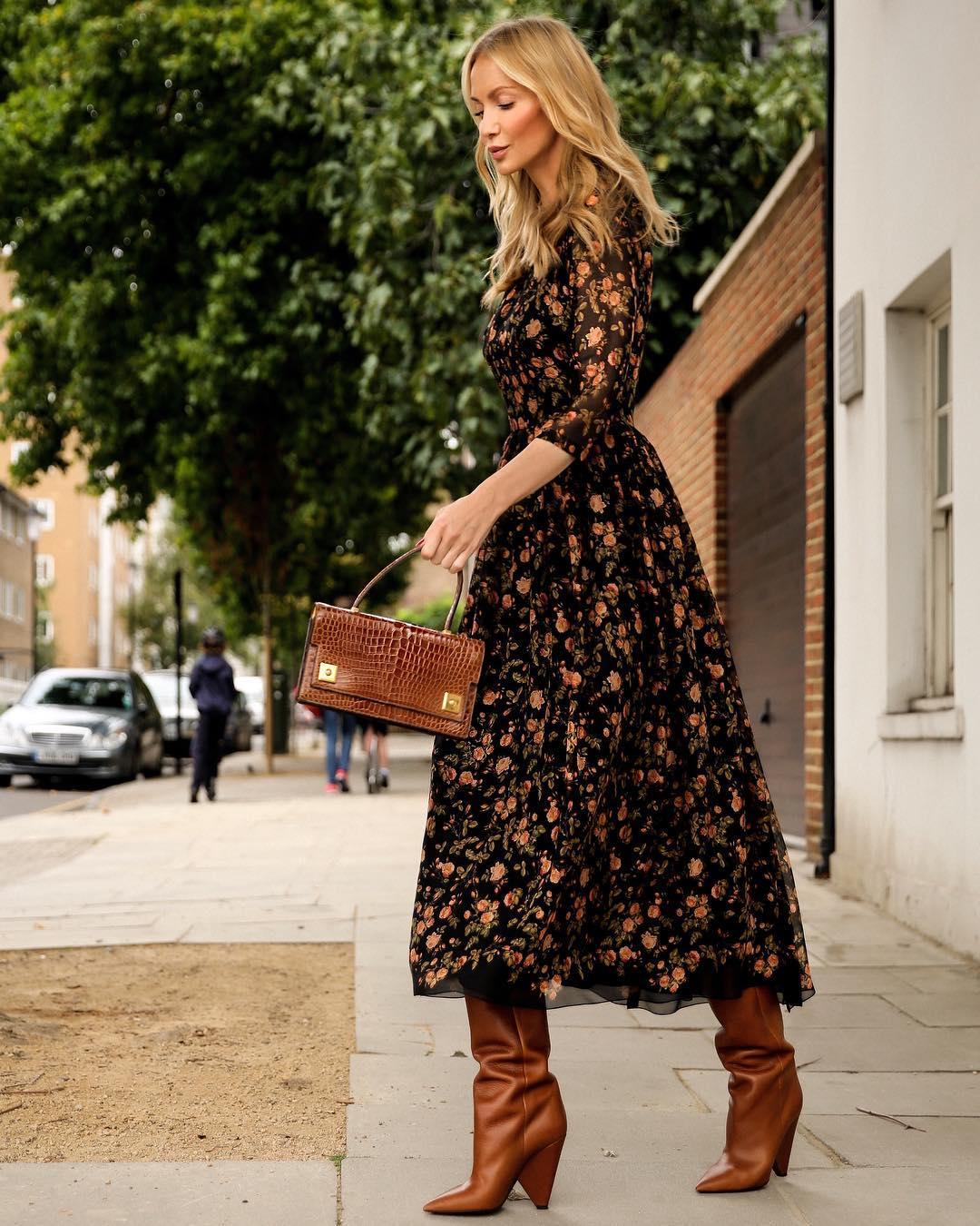 платье французской длины с сапогами