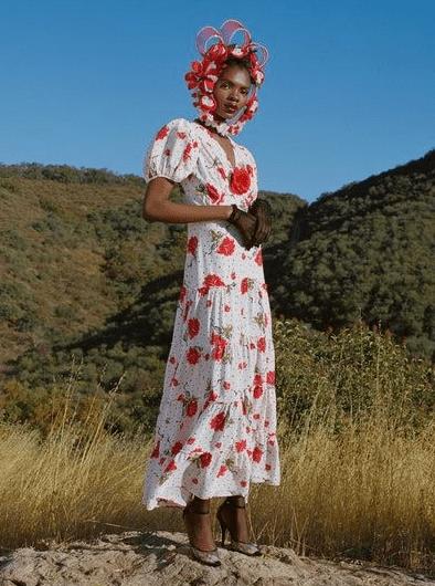 длинное платье с рукавом фонариком