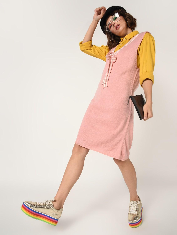розовое платье шифт