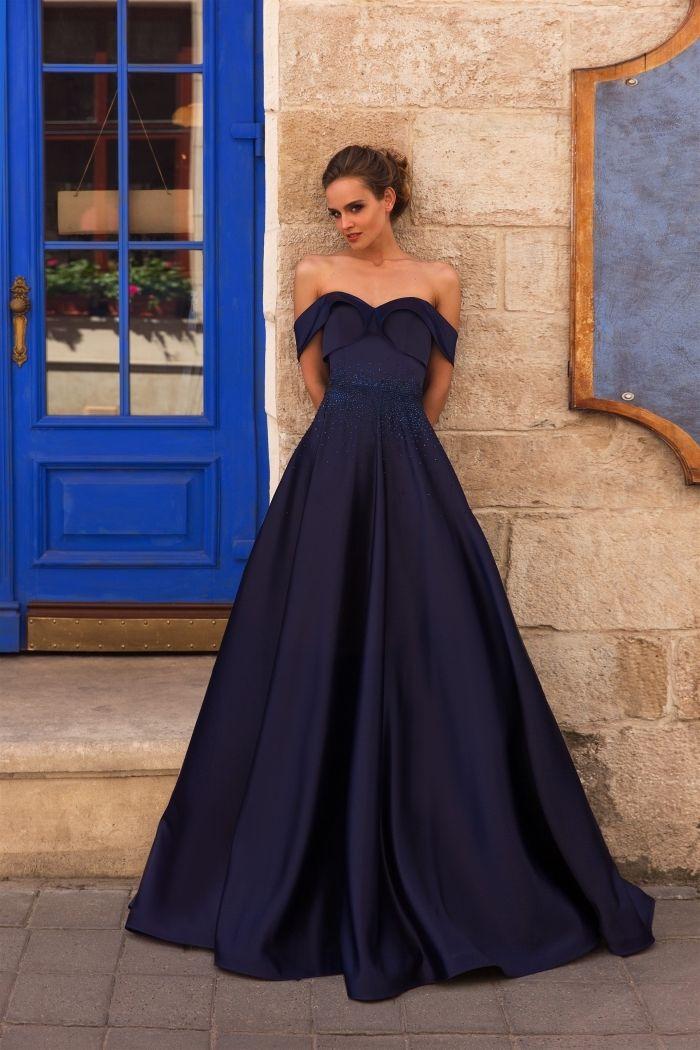 темно синее свадебное платье с открытыми плечами