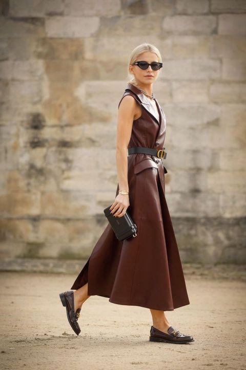 кожаное платье с поясом