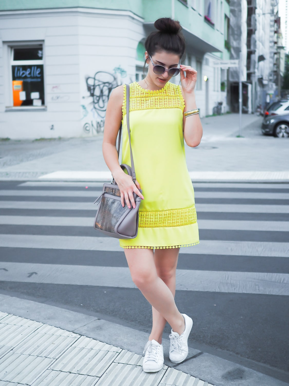 желтое платье шифт 2021