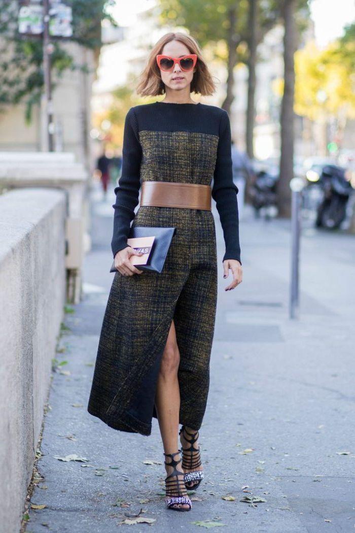 длинное прямое платье с ремнем