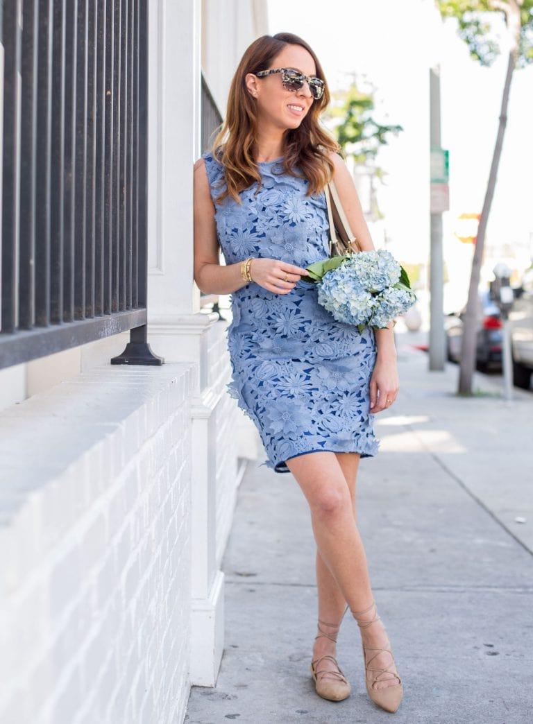 платье шифт 2021 из голбого гипюра