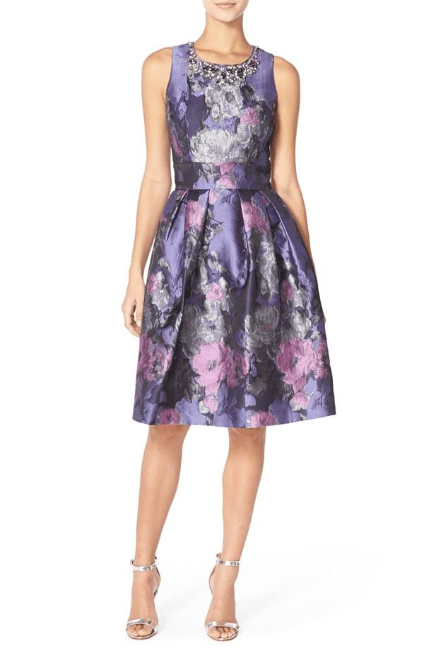Классическое коктейльное платье