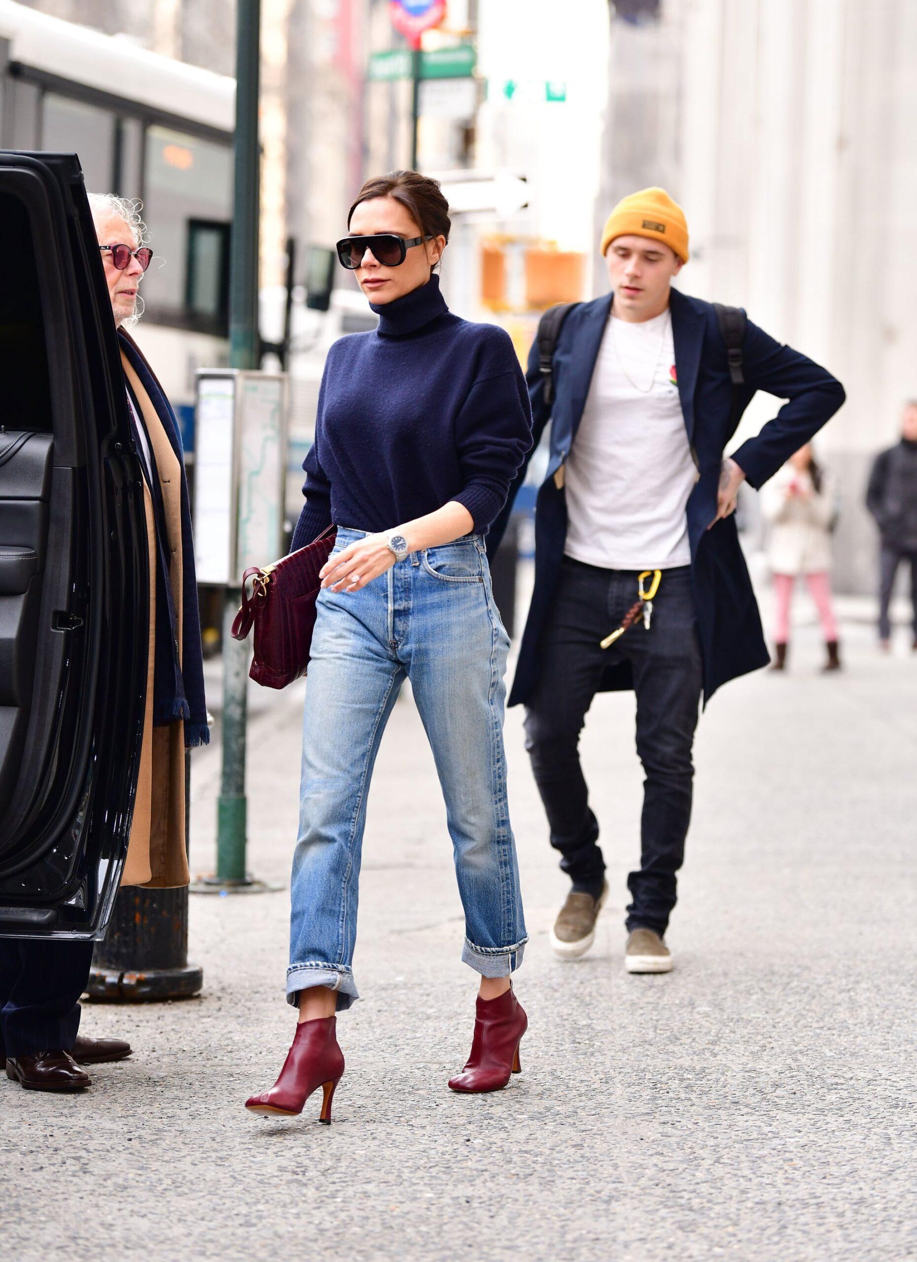 Бордовые ботинки в гардеробе современной девушки: с чем сочетать и когда носить