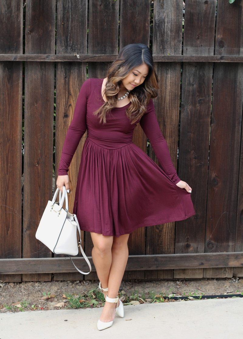 Кому подходит бордовое платье и с чем его носить, модные образы